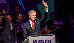 Robert Biedroń na konwencji swojej partii Wiosna