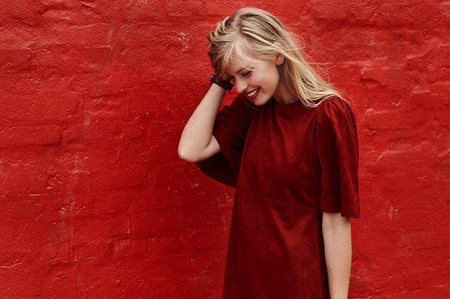 Bierzemy pod lupę czerwone sukienki. Jaki odcień i krój powinnaś wybrać?