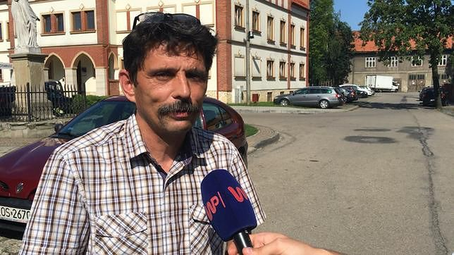 Ojciec pobierający 5000+, gigantyczny socjal na polskiej wsi, ale też brak pracy. Taką Polskę zobaczyliśmy