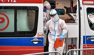 """Koronawirus. Ratownicy medyczni apelują: """"System zdrowia walczy o przetrwanie"""""""