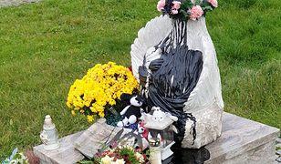 Brzezówka. Wandale na cmentarzu. Zniszczyli pomnik dzieci nienarodzonych