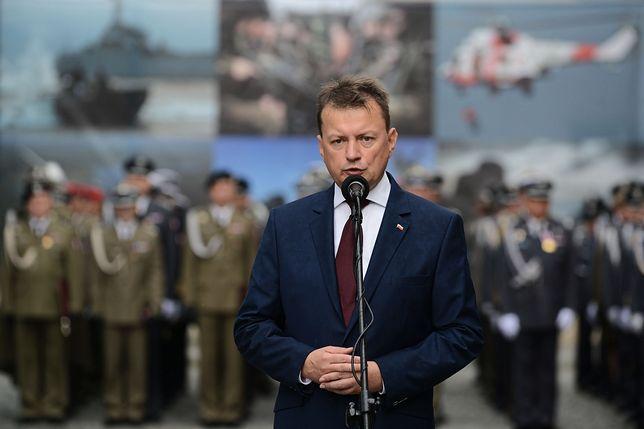 Szef MON Mariusz Błaszczak wcześniej zarzucił Adamowiczowi kłamstwo