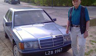 Pan Bogdan z Łodzi jeździł tym autem ponad 30 lat, teraz jego mercedes jest do kupienia