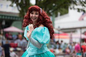 Niania przebrana za księżniczkę Disneya. Nietypowe ogłoszenie