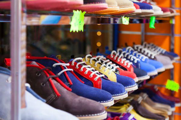 Włoscy naukowcy: jedna trzecia butów zawiera szkodliwe substancje