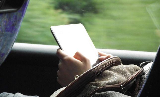 Wrocław: Mandat za czytanie e-booka w komunikacji miejskiej