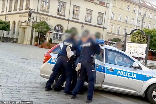 Śmierć Igora Stachowiaka. Są zarzuty dla czterech byłych policjantów