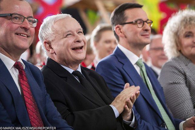 Sondaż. PiS z samodzielną większością, cztery partie w Sejmie