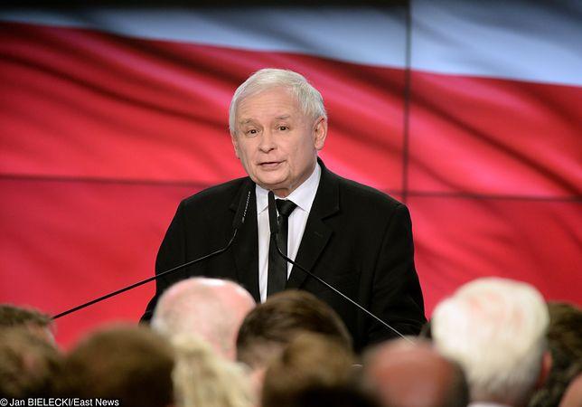 Mowa ciała Jarosława Kaczyńskiego wyrażała rozczarowanie, ani krzty radości