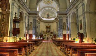 Luzowanie obostrzeń dotknie też kościoły. Znane wytyczne