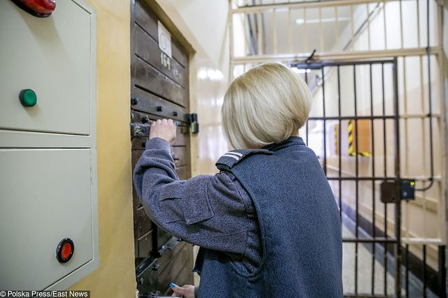 Kobiety często pojawiają się w więzieniach w charakterze strażniczek i psychologów - również w polskich więzieniach.