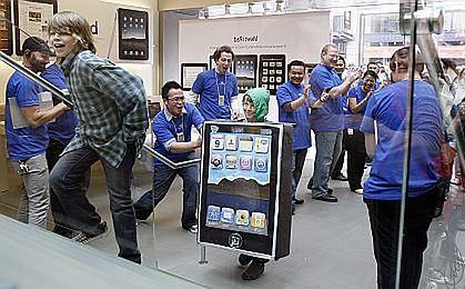 W USA sprzedano 300 tysięcy iPadów pierwszego dnia