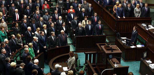 Sejm uchwalił ustawę, która ma usprawnić działanie urzędów pracy