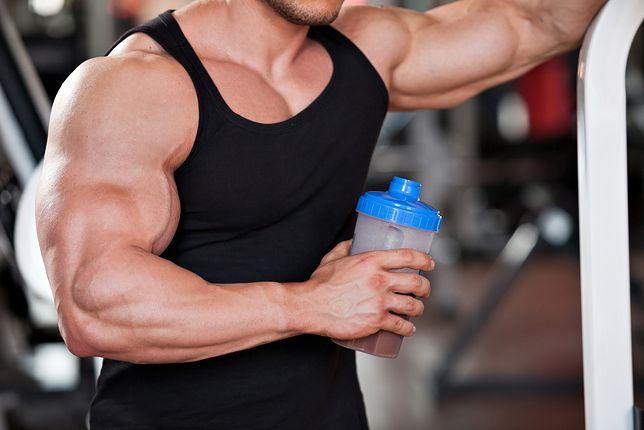 Mutant Mass zestawiony z prawidłowo dobraną dietą i odpowiednim treningiem ułatwi uzyskanie upragnionej sylwetki.