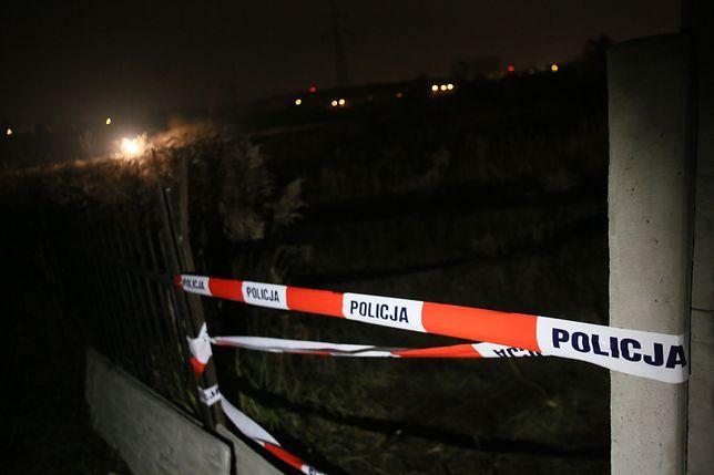 Makabryczne odkrycie we wsi Strużka. Z szamba wyłowiono zwłoki