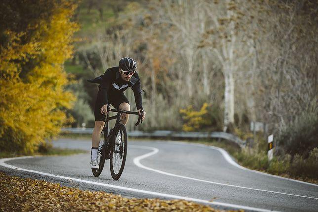 Strój na rower musi być dopasowany.