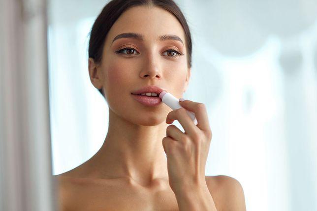 Jak dobrać odpowiedni kolor szminki? Podpowiadamy
