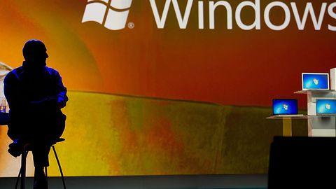 Kto pokieruje Microsoftem? Elop i Bates na ławce rezerwowych