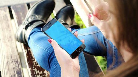 Roaming w UE: Play z pełnym Roam Like At Home, T-Mobile z częściowym