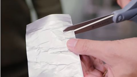 Akumulator, który możesz pociąć jak kartkę papieru – i tak nie wybuchnie
