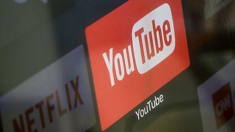 Sztuczna inteligencja nie radzi sobie na YouTube. Wracają moderatorzy