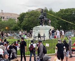 USA. Protestujący próbowali obalić pomnik prezydenta USA