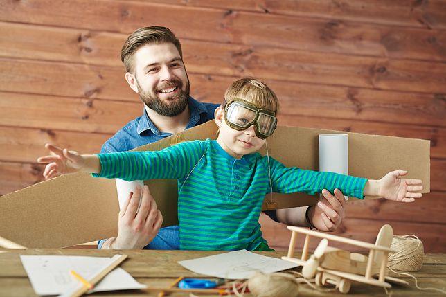 Zabawy dla 8-latka w domu powinny nawiązywać do zainteresowań dziecka