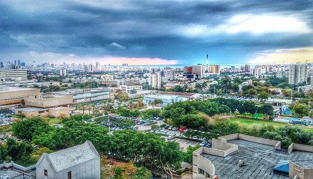 Panorama Tel Avivu w czasie burzy
