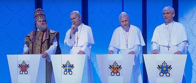 Piotr Adamczyk zadał nietypowe pytania papieżom. Zobaczcie sami jakiej wiedzy od nich wymagał?