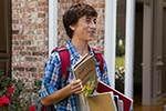 Skyler Gisondo sąsiadem Drew Barrymore na przedmieściach