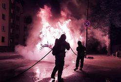 Bytom. Autobus stanął w płomieniach. Seria pożarów w pustostanie