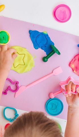 Z dzieckiem w domu. 12 pomysłów na zabawy bez telewizora