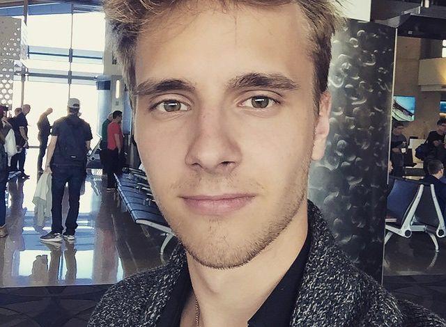 Maciej Musiał pokazał zdjęcie z czarnoskórą koleżanką. Poziom komentarzy przeraża