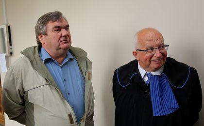 Wyrok dla komornika to nie wszystko. Mecenas Obara chce ścigać banki oraz paserów