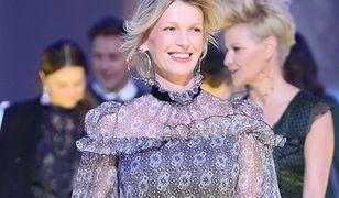 Zachwycająca i uśmiechnięta Magda Mołek na ramówce TVN. Ciąża jej służy
