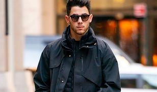 Nick Jonas miał wypadek na planie. Trafił do szpitala