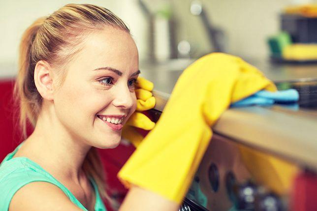 W Polsce godzina sprzątania kosztuje od kilku do kilkudziesięciu złotych.