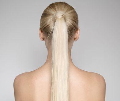 Trwałe prostowanie włosów daje długotrwały efekt lśniących, prostych włosów