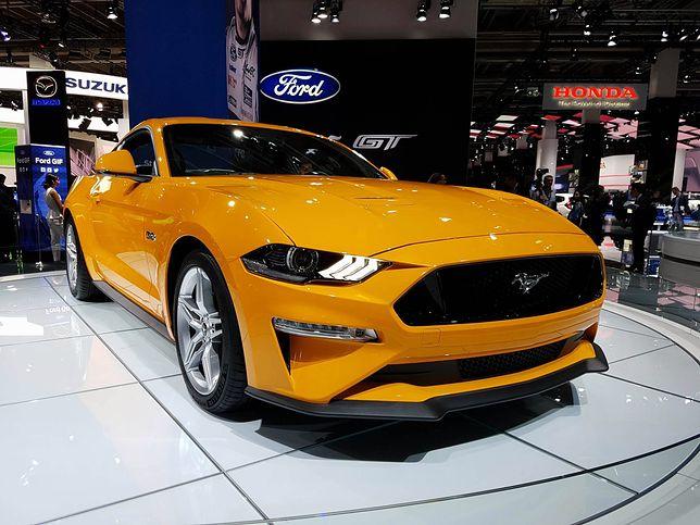 Ford Mustang na salonie samochodowym we Frankfurcie