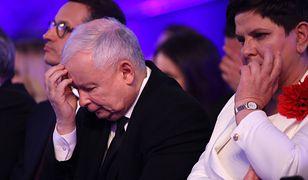 Prezes PiS Jarosław Kaczyński (pośrodku) powoli zaczyna już chyba myśleć o rekonstrukcji rządu.