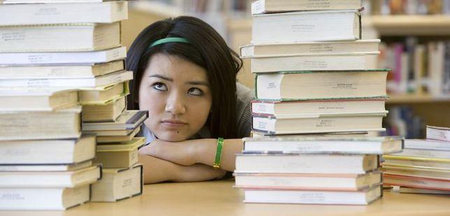 Co dziewiąty bezrobotny jest po studiach