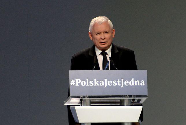 Drugi program na miarę 500+ stanął, zanim się rozkręcił. Kaczyński pogania ministra w sprawie Mieszkania+