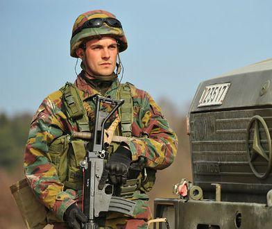 Belgijski żołnierz na ćwiczeniach w 2014 r.