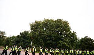 Stu policjantów przeszukiwało nadmorski pas w Gdańsku w 2013 r.