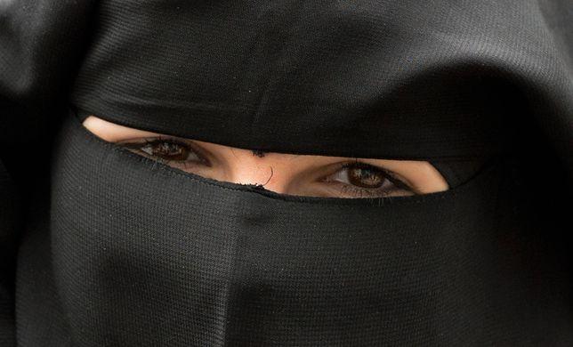 Laila Shukri pisze o życiu arabskich księżniczek. Podobno czerpie z własnego doświadczenia.