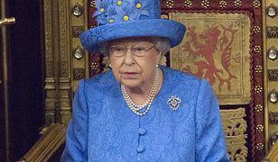 Ukryty manifest Elżbiety II? Kapelusz królowej w centrum uwagi