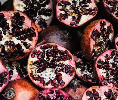 5 powodów, dlaczego warto jeść granaty. Owoc idealny dla każdego