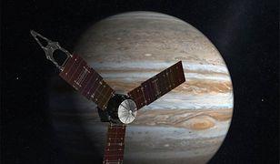 Wizualizacja sondy Juno zbliżającej się do Jowisza