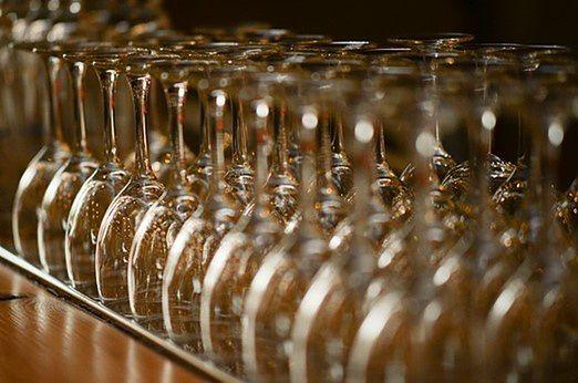 Śląskie. Samorząd Częstochowy zamierza wesprzeć przedsiębiorców prowadzących sprzedaż alkoholu w lokalach gastronomicznych.