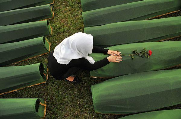 Przywódca bośniackich Serbów: ludobójstwo w Srebrenicy kłamstwem